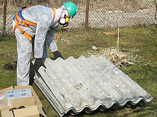 Wymiana pokryć azbestowych / Warszawa i okolice