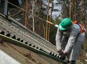 Usuwanie azbestowych pokryć dachowych / Zielonka