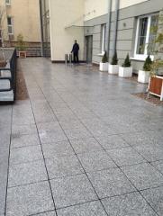 Taras z płyt betonowych / Warszawa Konstancin Jeziorna