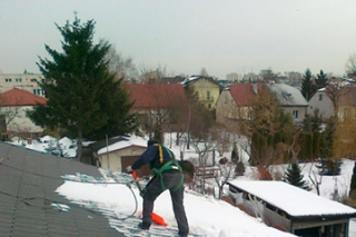 ODŚNIEŻANIE DACHÓW / Warszawa